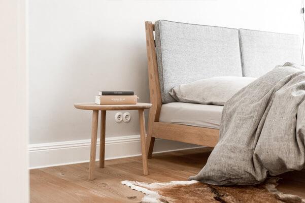 Komplet: łóżko i stoliki nocne